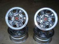 Complete set of factory chrome wheels for Ford truck
