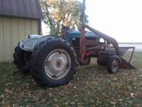 1958 Ford 961 diesel tractor for sell wide front, power