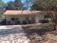 Charming 3 bed room 1.5 bath home in Santasia Park.