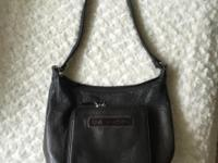 Great leather bag. Outside good condition, inside good