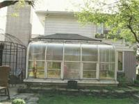 We disassembled a Four Seasons Sunroom, with glass