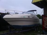 1996 Four Winns 238 Vista, this boat has a 5.0 fuel