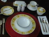 I have for sale six 6 piece plate setting vintage