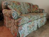 Very comfortable floral loveseat in GREAT condition! If