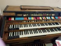 FREE HAMMOND ORGAN.   Needs work.  AS