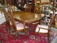 Lovely French Country Dinette Set includes table with
