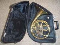 Yamaha French Horn for sale, excellent for beginners,