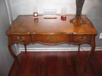 BEAUTIFUL BURLED WALNUT French Style Writing Desk with