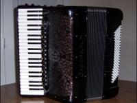 Type: AccordionType: HohnerCAVAGNOLO piano-keyboard