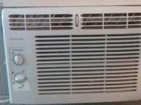 Fridigaire window unit has 3 speed, low, med, high,
