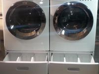 Type: AppliancesExcellent Condition Frigidaire Front-