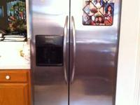 JUST REDUCED FROM $999 Frigidaire Gallery 25 cu ft