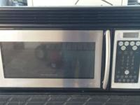 Like New Frigidaire Stainless Steel Microwave/Oven Over