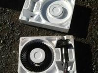 Front diff & rear ring n pion for 1997 Toyota 4x4. $50