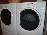 Kenmore HE 2Plus Washer & Gas Dryer with Pedestals.