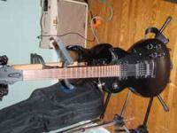 Epiphone les paul goth .Smoke free and adult owned. Pro