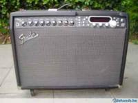 Up for sale is a Fender Cyber twin in excellent