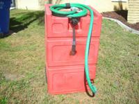 Pace Gas Walker 25 gallon. This is a strong fuel tank,
