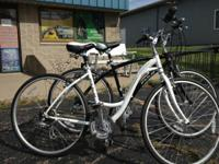 FUJI Crosstown 3.0 comfort bikes new! Both womens and