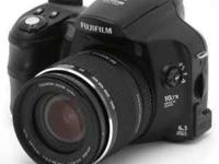 Im selling a used Fuji Film Fine Pix s6000 digital