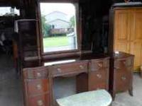 Beautiful bedroom set for sale. Solid wood, dovetailed