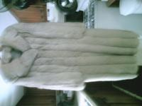 Size XL 3 clasp full length silver fox fur with