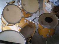 Mapex drums with new cymbals and the old ones included.