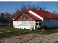 20 Acres close to town but definetly country, deer and