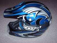 Selling a used Fulmer AFC-1 Blade Youth Helmet. Size S