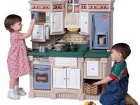 Lots of Fun Step2 Dream Kitchen! (Gently used) Large