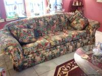 Flex-Steel Beautiful floral sleeper sofa queen,