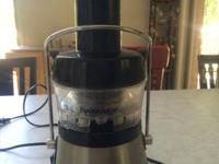 Juicer in excellent condition.  Just downsizing
