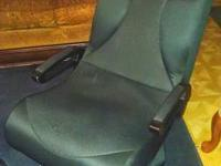 $300.00 Gaming chair, integrateded speakers. color is