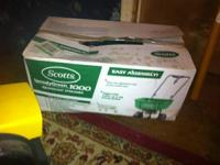 Scotts 1000 Broadcast spreader never used- $15, Truper