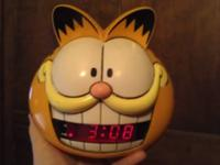 Vintage Garfield Alarm Clock for sale - $10 CASH. It is