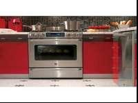 Beautiful, high quality, GE Cafe stove range oven. Top