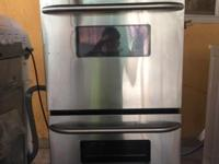 This is a wonderful GE double oven stainless steel.