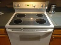 GE JBP66W STOVE/ ELECTRIC RANGE. LIKE NEW, RARELY