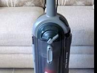GE Upright Vacuum - Model 106585 -- Strong Vacuum -
