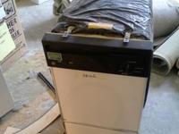 Small compact mini dishwasher M# GSS1800Z01. Good