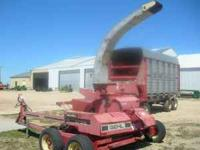 Gehl 1060 Forage Harvester 2 Row 3038 Corn Head and 9'