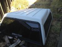 Gem top camper shell. White fits 8foot bed. Great