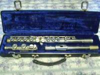 This is a Gemeinhardt 2NP flute In great shape the pads