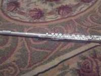 I am selling a Gemeinhardt Student flute that has only