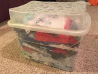 There are 165 gently used pieces in this Rubbermaid