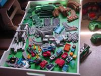 GEO TRAK or TRAC  Many many pieces  20 bigger buildings