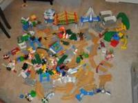 This is a big lot of Geotrax items. See the picture for