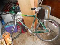 GIANT MOUNTON BIKE IN GOOD CONDITION CALL FOR MORE INFO