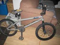 giant rythm bmx bicycle with gyro and pegs in decent