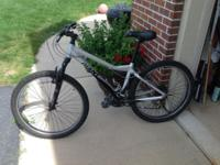 Giant bike great condition mechanically cosmetically it